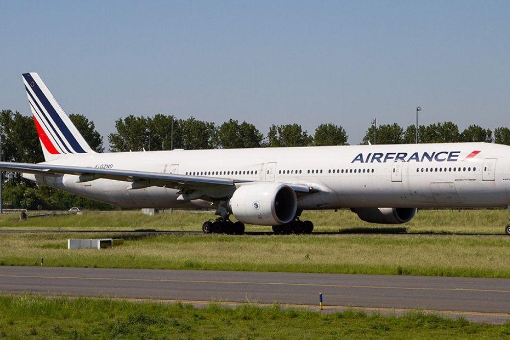 """Se masturbó en pleno vuelo, lo denunciaron y la tripulación dice que vivió un """"calvario"""" en Argentina"""