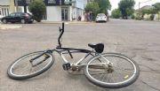 Una joven  choco en bicicleta con un auto, fue trasladada al Hospital-Mira las fotos