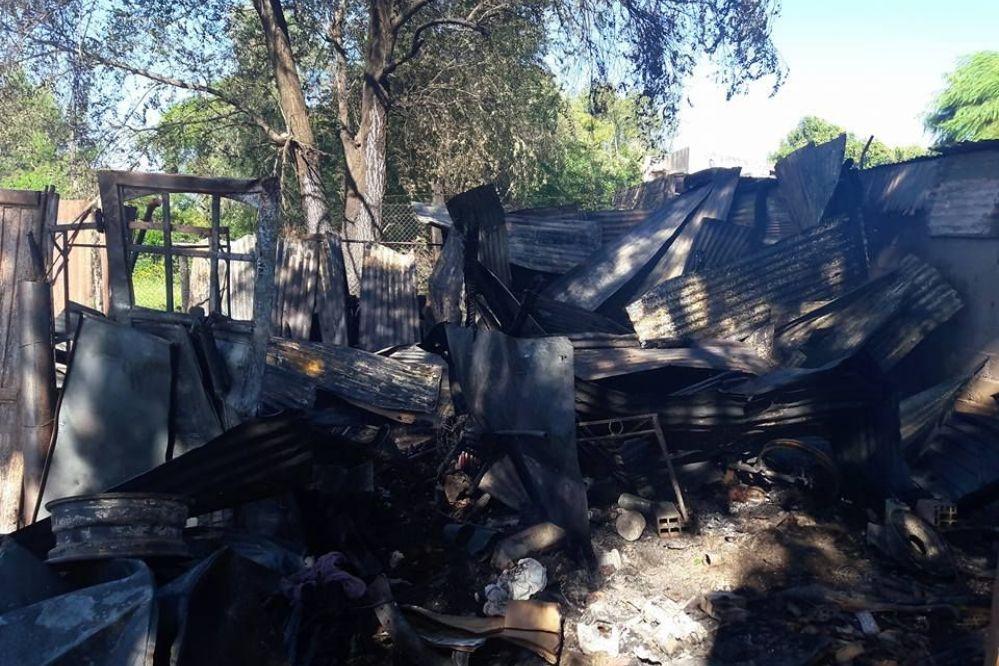 FAMILIA AMPUDIA: Lo que quedó luego del incendio-FOTOS