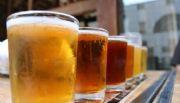 Buscan voluntarios para viajar por el mundo probando cervezas