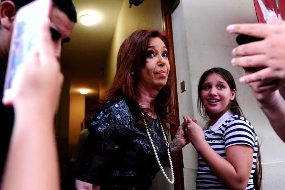 Cristina le pidió permiso al juez y se va de gira por Europa