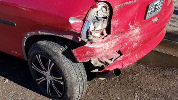 GENERAL PICO: Abandonaron un Corsa chocado en calle 9 y 102-Mira las imágenes