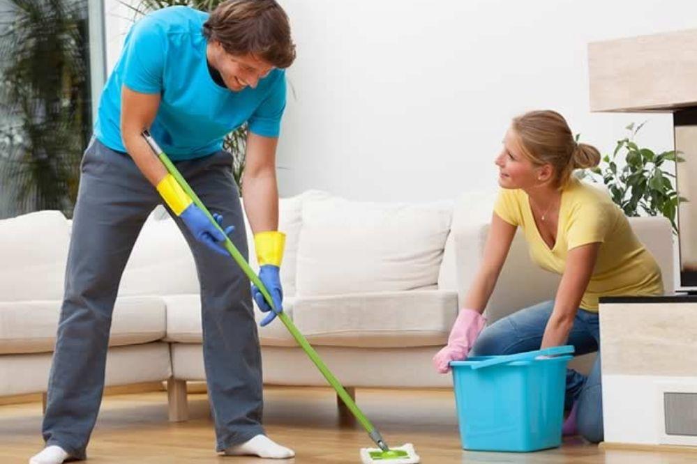 Por qué limpiar la casa o ir caminando al trabajo pueden evitar la ...