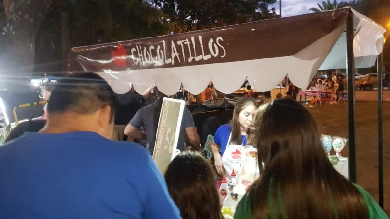 Multitudinaria feria de mujeres emprendedoras en Plaza San Martín-Video y fotos